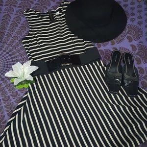 Old Navy Dresses - 👗Dress👗 OLD NAVY